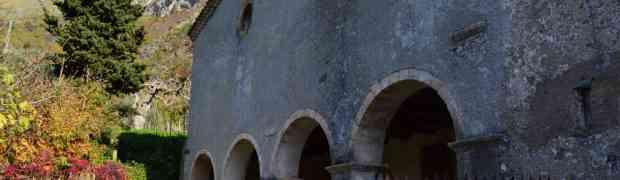 L'Abbazia di Fonte Laurato, il Vallone della Scalidda, Monte Barbaro e le grandi pietre. Un sogno di luce che dirada le ombre